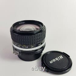 Nikon Nikkor 28mm f/2.8 AIS manual focus Lens in excellent condition